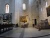 Бари. Базилика Св. Николая. Интерьер. Внизу - триптих Рицо да Кандия